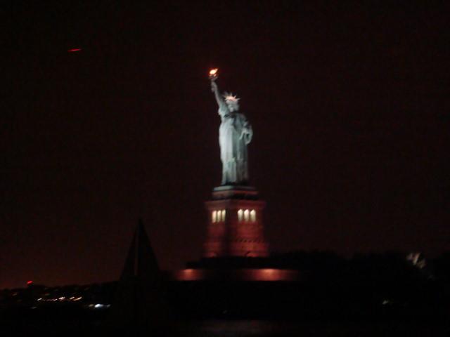 statue of liberty night - photo #43