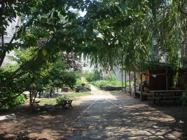 Rodale Pleasant Park Community Garden in Spanish Harlem