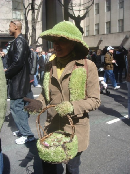 20090412-easter-parade-18-chia-lady