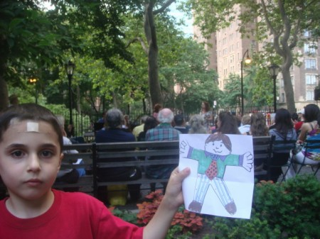 20090708 01 Flat Stanley listens to singer